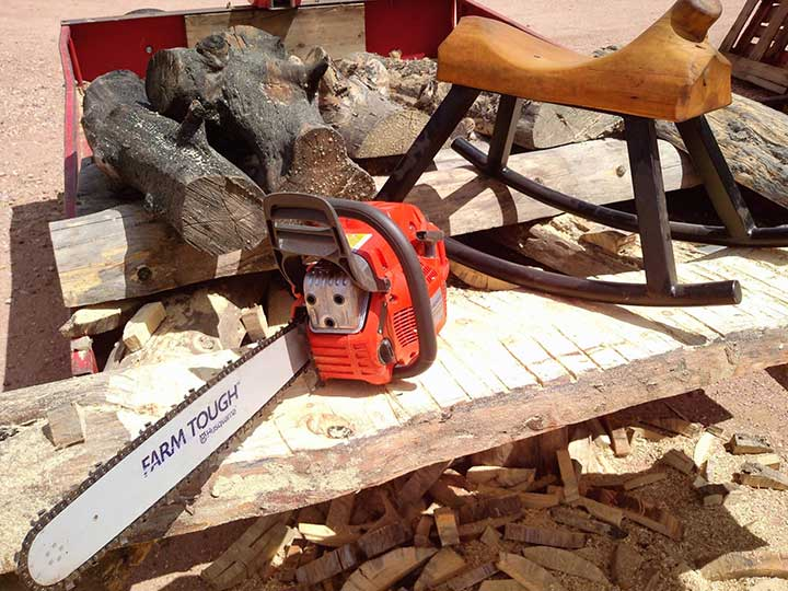 Carve Log Furniture with a Chainsaw