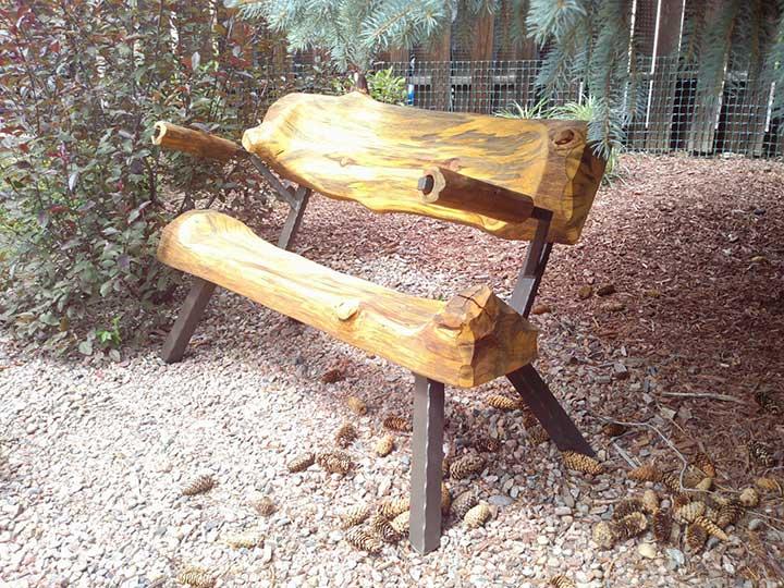 make a log bench